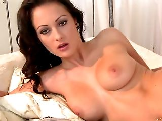 Nicole Smith Is Lounging On The Couch And Dreaming About Bang-out