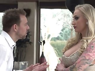 Perverted Blonde Kayla Green Masturbates Her Muff While Bf Fucks Dark-haired Sweetheart In Glasses