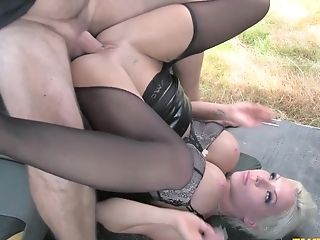 Gorgeous Matures Barbie Sins Gets Crazy In The Cab