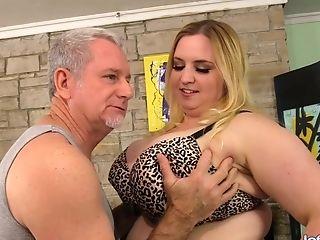 Bbw Nikky Wilder Pleased By A Massagist